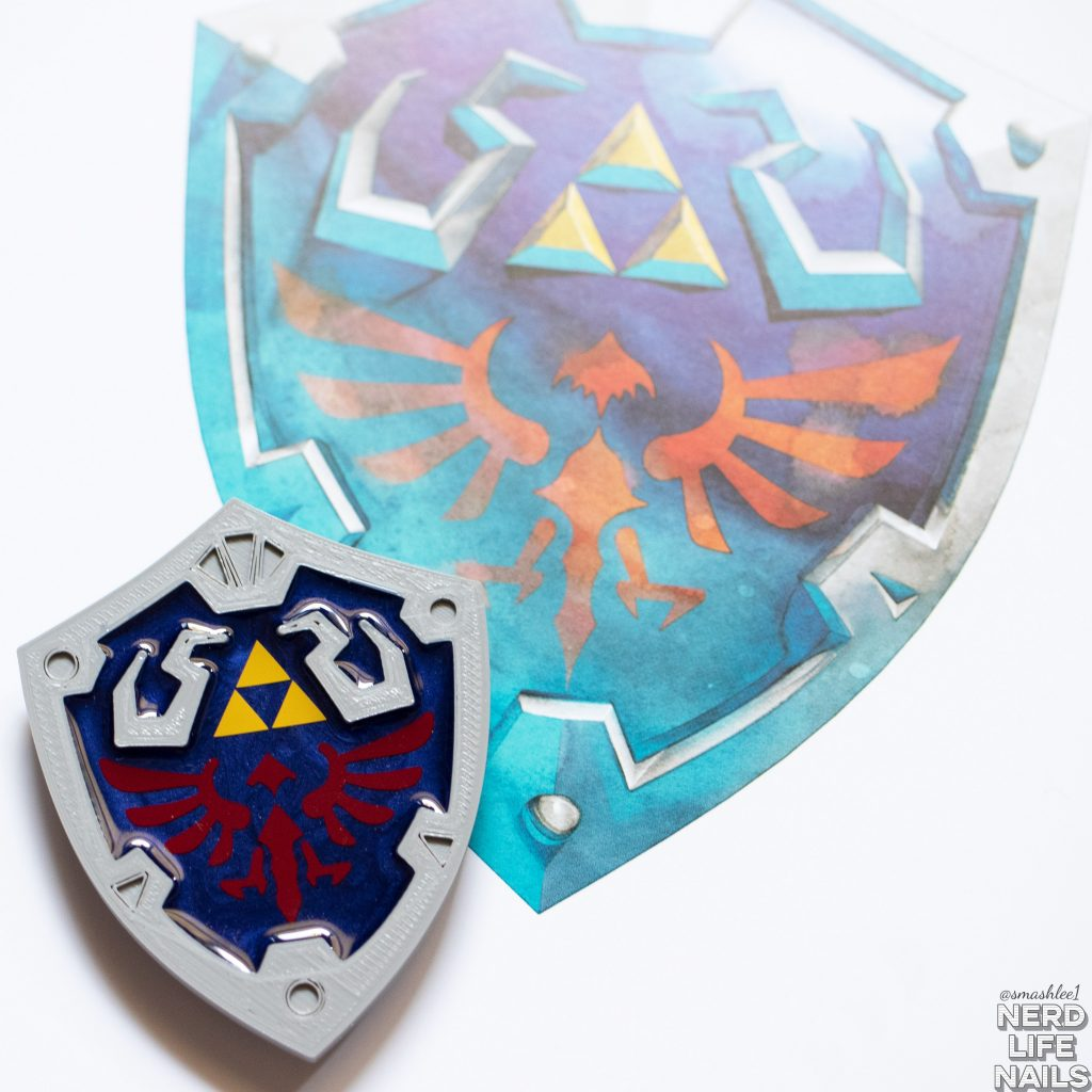 3Cheers4Ears Hylian Shield Phone Grip