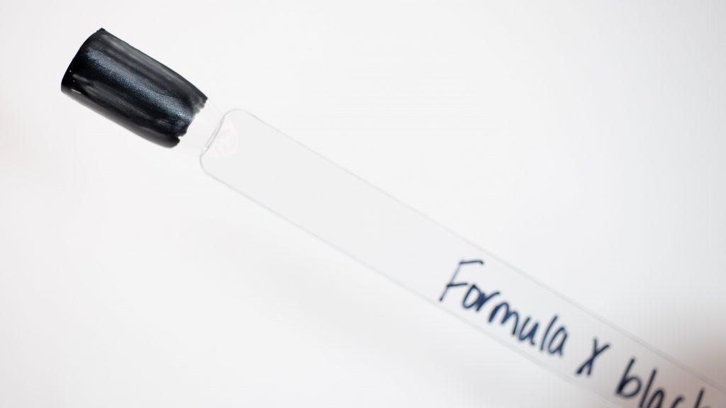 Formula X Swatch - Black