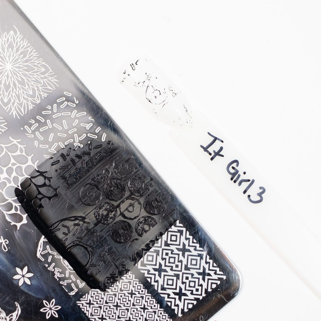 It Girl Nail Art Black 3