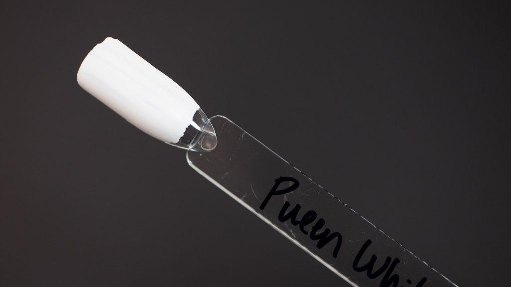 Pueen Swatch - White